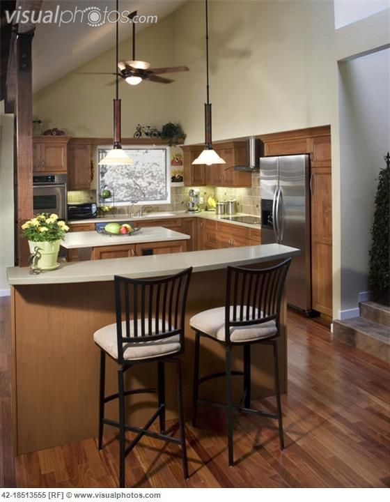 Contemporary Kitchen With Ceiling Fan