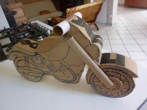 voiçi le début du montage de l'urne en forme de moto.