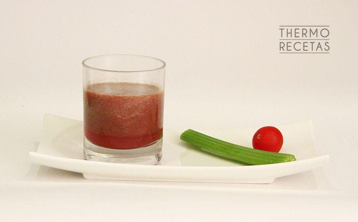 Zumo vegetal para dietas de adelgazamiento - http://www.thermorecetas.com/2014/06/22/zumo-vegetal-para-dietas-de-adelgazamiento/