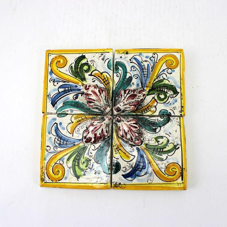 Mosaico composto da 4 piastrelle in ceramica di ...