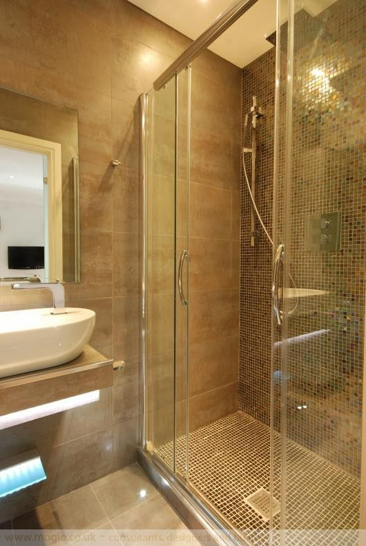 private.shower.room