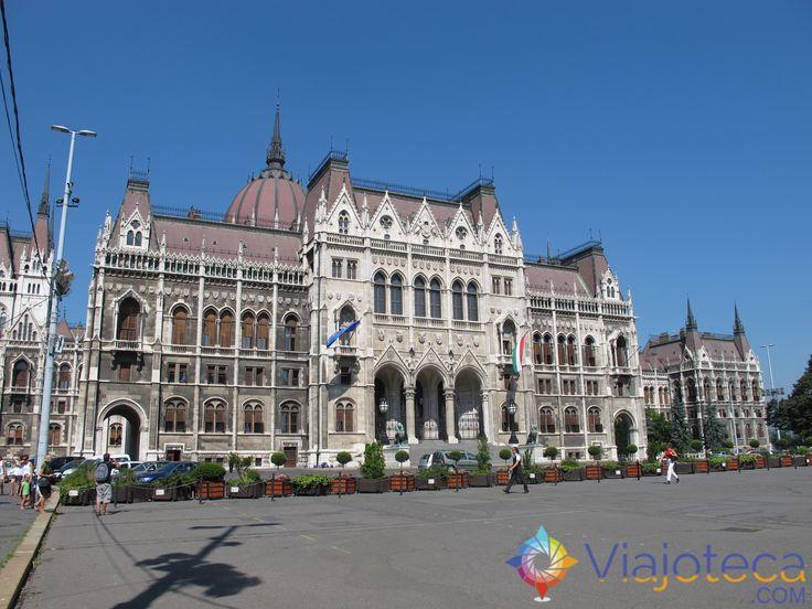 ...nossa série voa para capital da Hungria! Com vocês: 1 Cidade : 1 Atração = Budapeste : Parlamento Húngaro.