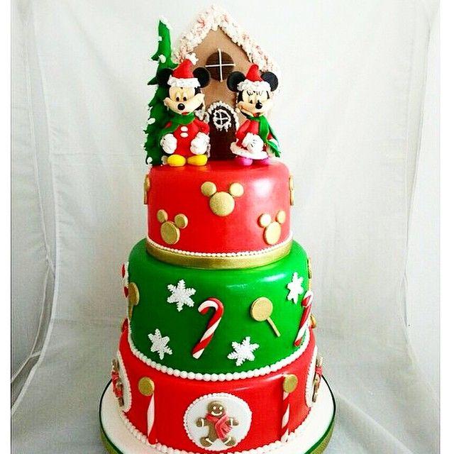 Mickey & Minnie Christmas Cake