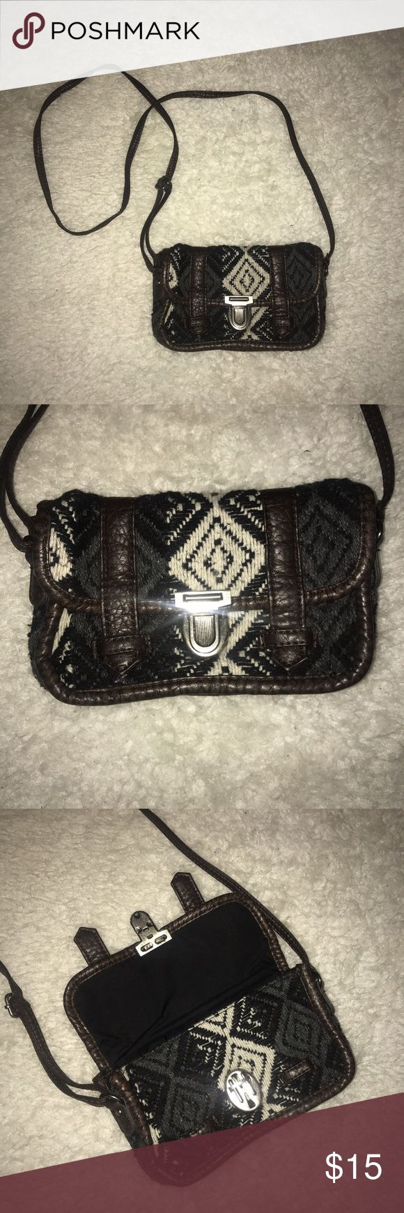 American Eagle cross body purse Super cute American eagle cross body purse! Aztec design with woven fabric. Super cute small purse for outings American Eagle Outfitters Bags Crossbody Bags