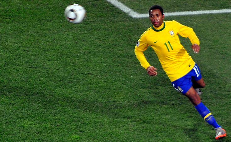 L'attaquant international brésilien Robinho, ancien joueur de l'AC Milan ou du Real Madrid, a été condamné ce jeudi en Italie à neuf ans de prison pour viol en réun...
