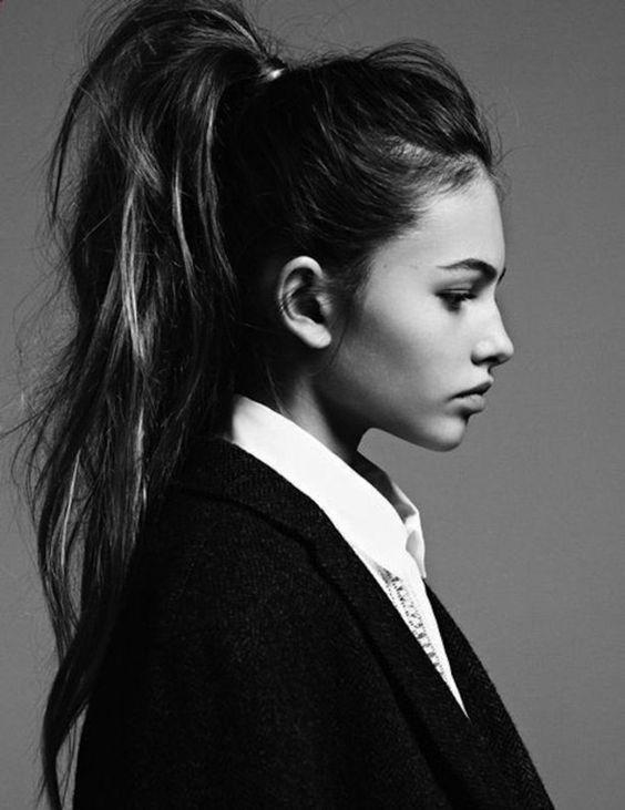 coiffure ado fille très stylé, queue de cheval bohème, idée géniale