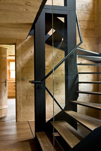 Federica Palacios...love this staircase and the contrast of materials
