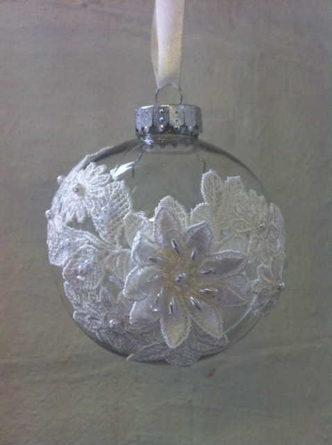 Wedding Favours - Dee Dee Bridal lace decorated baubles a lovely meomory of a winter wedding! Xx