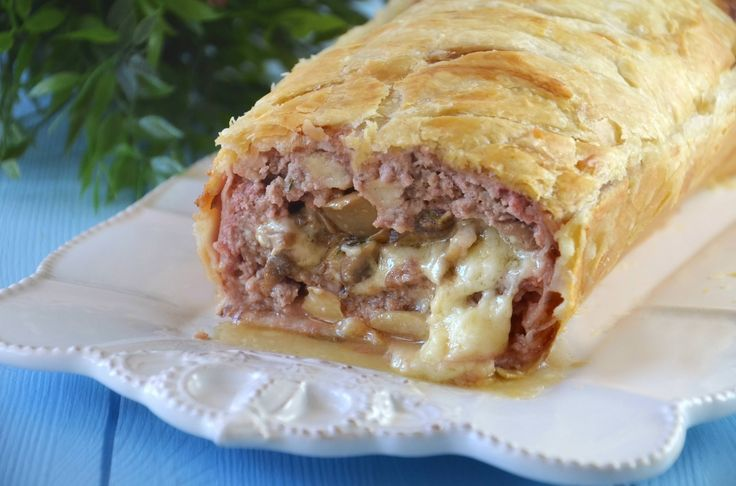 Polpettone in crosta, scopri la ricetta: http://www.misya.info/ricetta/polpettone-in-crosta.htm