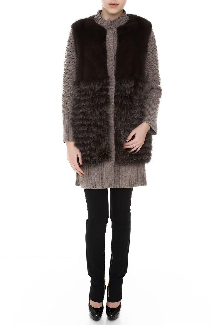 Комбинированное пальто с прямого кроя с карманами, ворот стойкой. Материал: Натуральный мех норки, лисицы http://oneclub.ua/pal-to-44235.html#product_option23