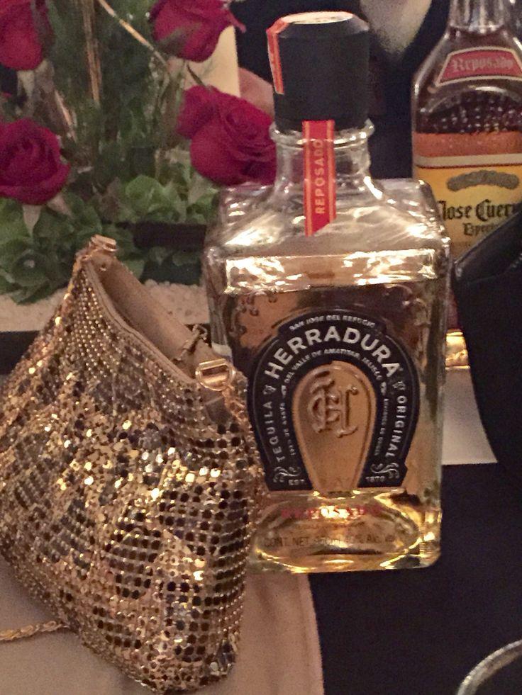 Mi bolsa en la fiesta! #tequila #dejare #todo #salud