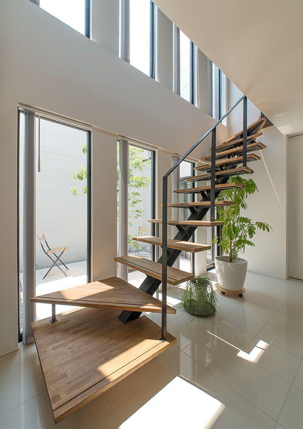 旗竿地で南に面した中庭のあるモダンな家・間取り(東京都世田谷区) | 注文住宅なら建築設計事務所 フリーダムアーキテクツデザイン