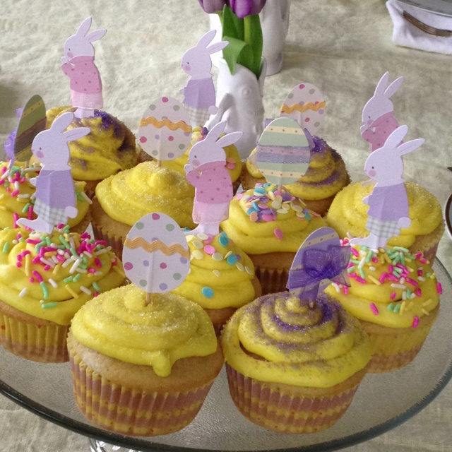 Easter cupcakes. | Easter fun! | Pinterest