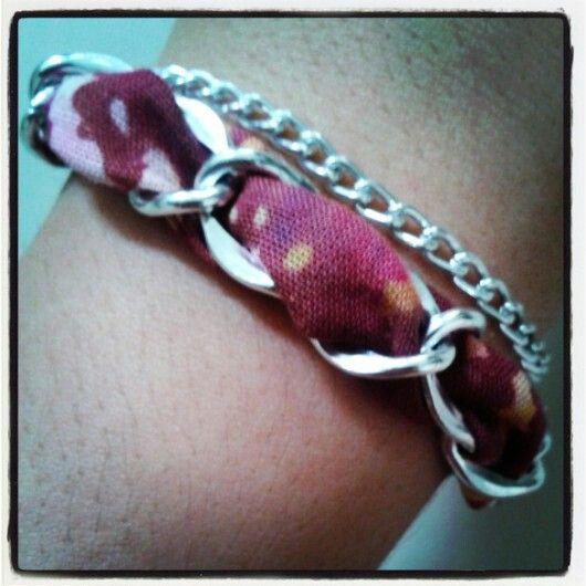 Plum chain bracelet by www.pelopeshop.blogspot.com