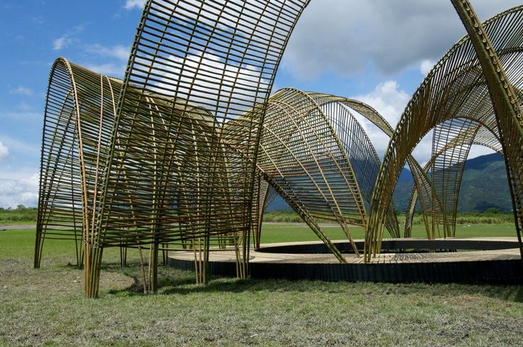 Project: Forest Pavilion, Pavilion framed by green bamboo vaults Date: 2011 Location: Guangfu Township, Taiwan Design: nArchitects Image Credits: Iwan Baan