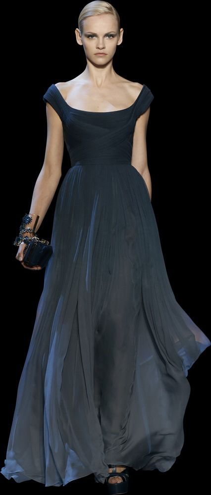 Fabulous, but she needs a pair of Españolas from Belle Fine Jewelry! ELIE SAAB - Haute Couture - Fall Winter 2014-2015