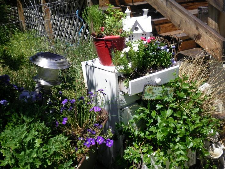 end table turned planter boxPorches Stuff, Turn Planters, End Tables, Outdoor Spaces, Planters Boxes, Planter Boxes, Tables Turn