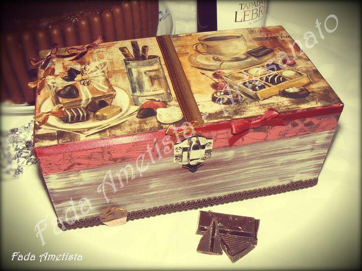 Caixa em Madeira para Chocolate ● Pintura, Fototransfer e Técnica Decoupage.