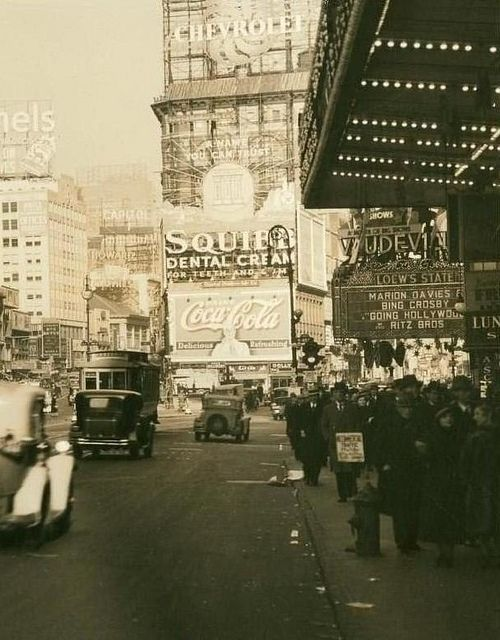 NYC 1934: Times Square, 1934 Nyc, 1934 1930S, 1930S Vintage, Nyc 1934 Love, Nyc Vintage Edition, Christmas Holiday, Nyc Historical