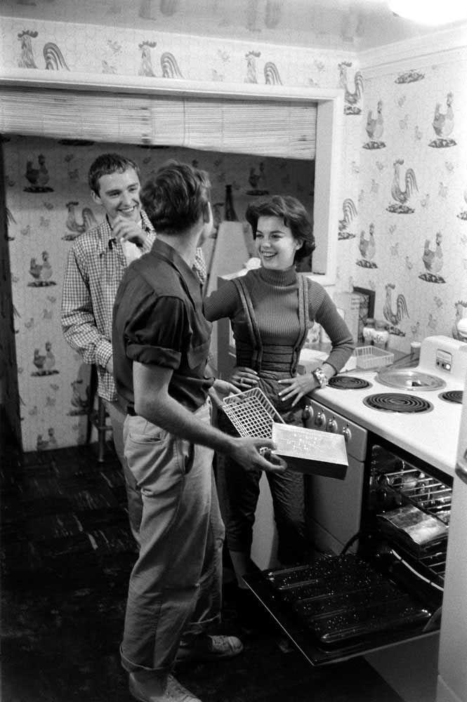 Dennis Hopper, Natalie Wood and Nick Adams   Rare celebrity photos