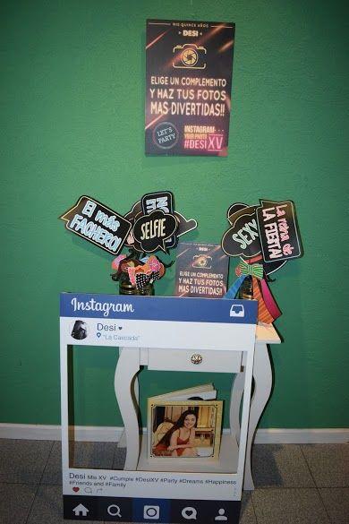 Sector Photo - Booth... *Props con frases *Props con emoticones *Polaroid Instagram personalizado *Albúm de firmas. *Cartel señalizador