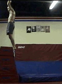 Top 24 des gymnastes qui se croûtent en gif (les gifnastiques fail)