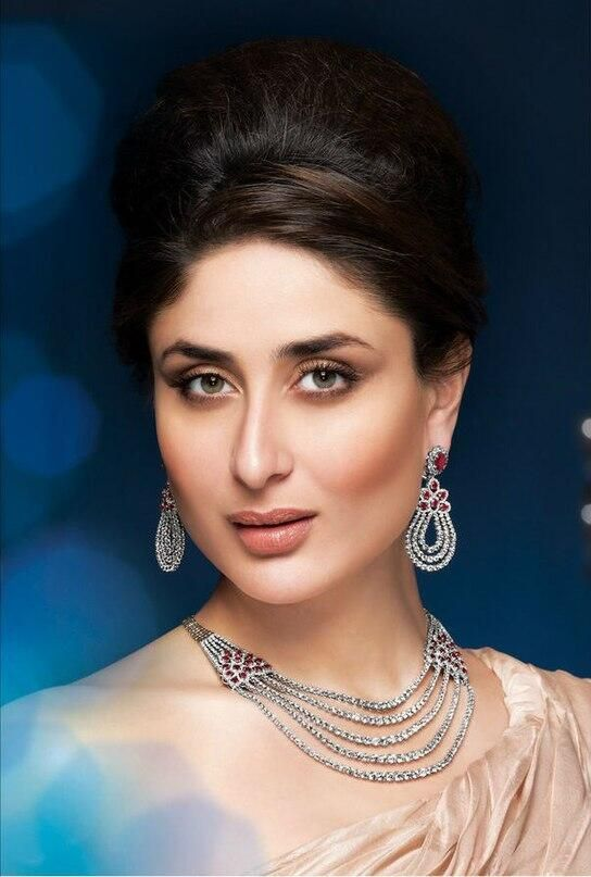 Kareena Kapoor's Malabar Jewellery print Ad #Bollywood #Style #Fashion