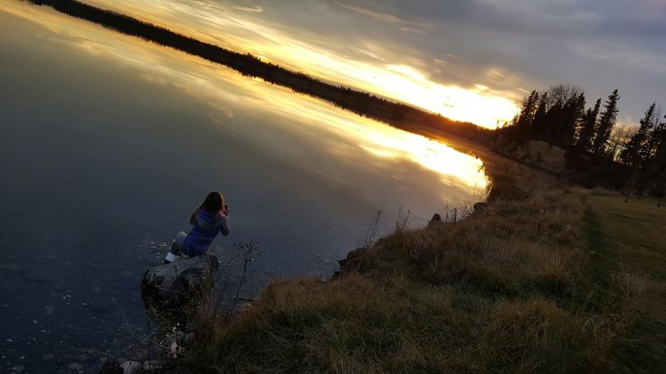 I have a house near the lake that has a beautiful view. One time my mom told me and Jacy to go sit on a rock just below our house and take some pictures and relax. This is one of the pictures I took so be sure to comment and like for more of our amazing pictures!