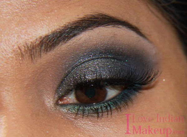 Learn This Smokey Night Time Look With Me!  Read More Here : http://iloveindianmakeup.com/grey-night-time-look-with-chambor-india-eyeshadow-pallet-nocturnal-blue-93/