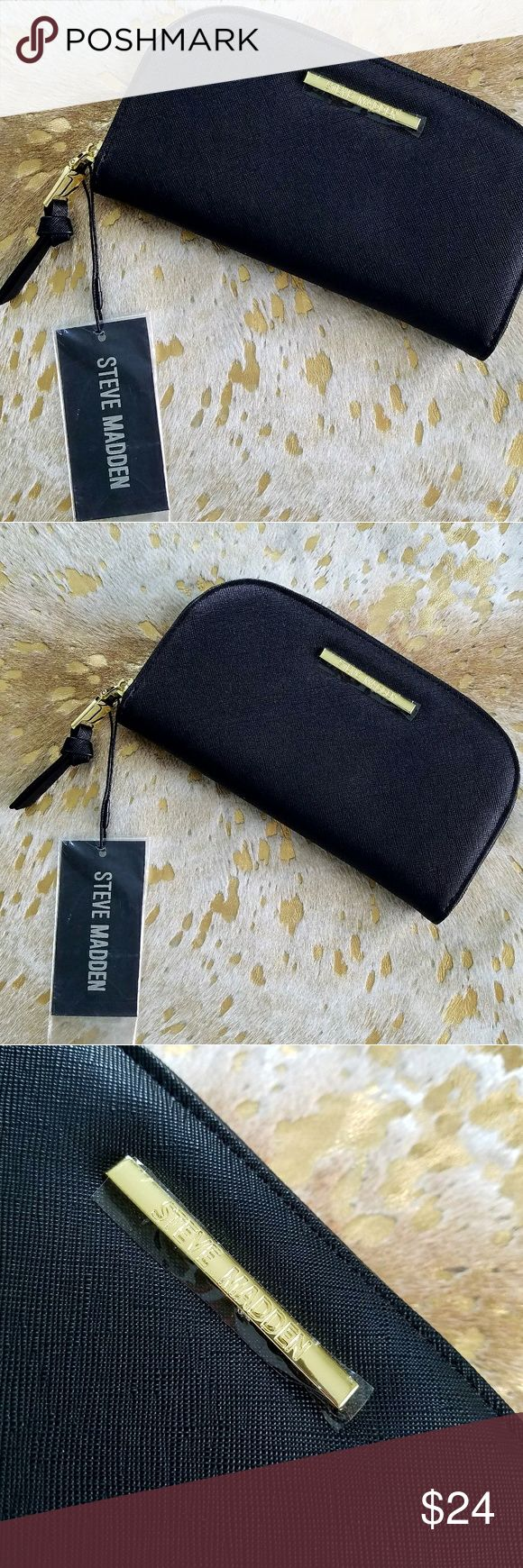 NWT Steve Madden Half Moon Zip Around Wallet New With Tags! Black with Gold Hardware 8 Credit Cards Slots 2 Bill Slots Zip Center Compartment Steve Madden Bags Wallets