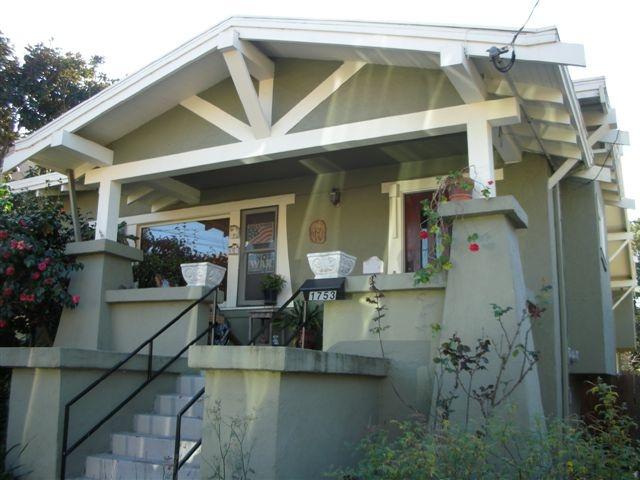 1000 images about craftsman bungalow exterior paint for Bungalow paint schemes