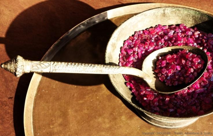 """Une """"soupe"""" de rubis, a Pailin, au Cambodge..."""
