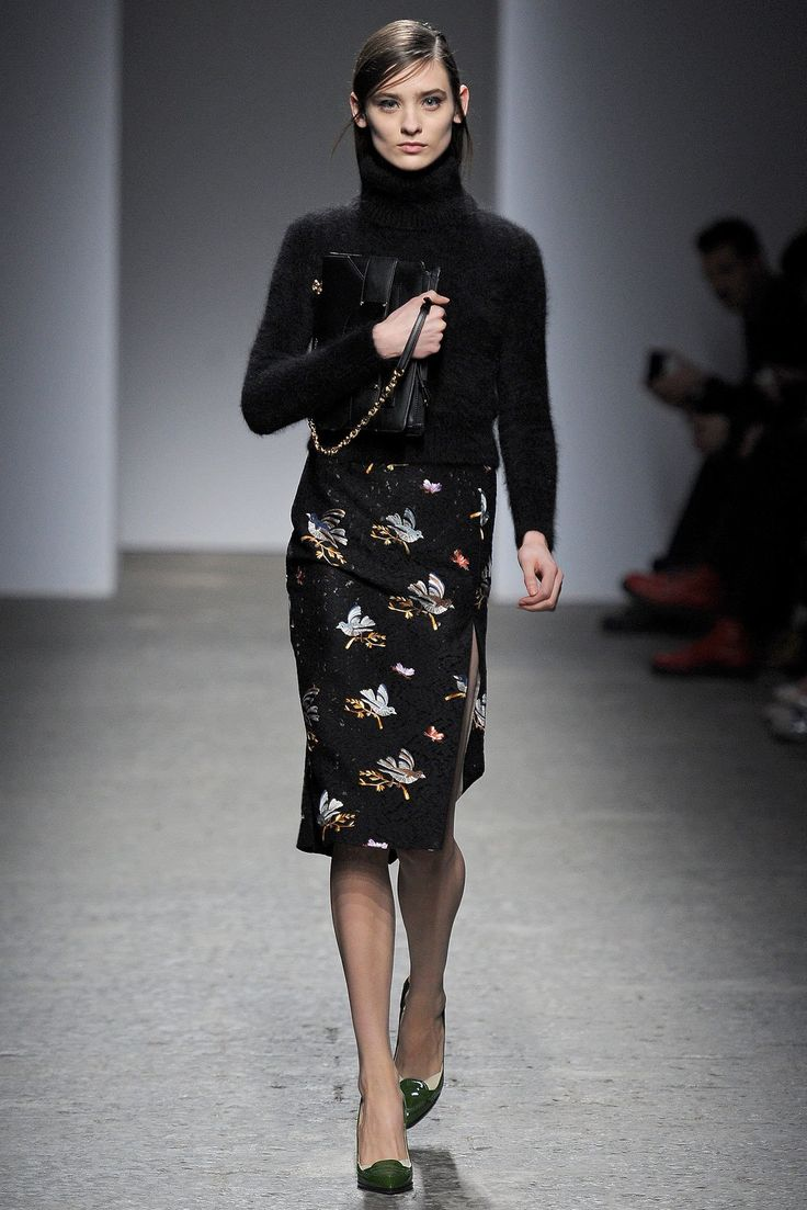 No. 21 Fall 2013 Ready-to-Wear Fashion Show - Carolina Thaler