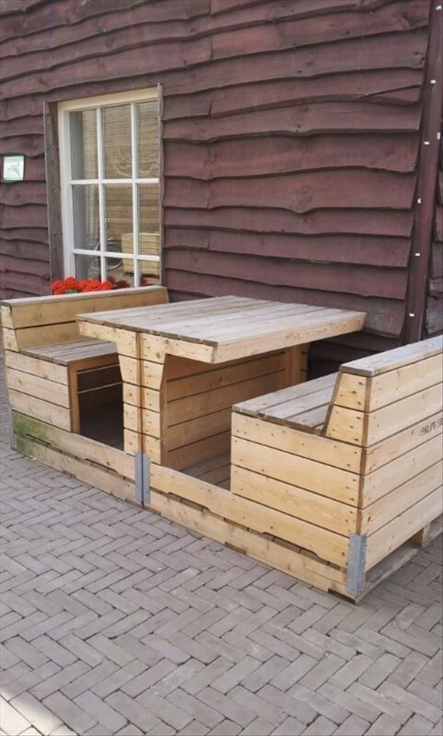 Amazing Uses For Old Pallets, dinning table, chairs, outdoor dinning