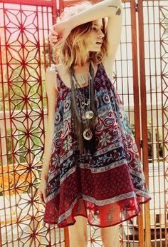 Free people, boho, indie, winter, fall, spring, pattern, necklace, hippie, music festival, gypsy, style, fashion, summer, flowers, flower crown, hair, lace, crotchet