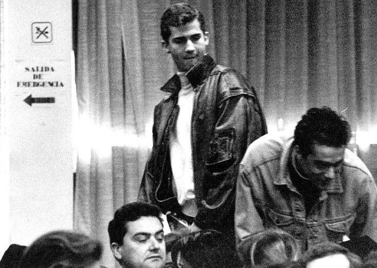 14 de febrero de 1991. Don Felipe de Borbón acude de oyente a la conferencia 'El precio de la paz' en la Universidad Autónoma de Madrid. Felipe VI: Infancia y juventud | Fotogalería | Actualidad | EL PAÍS