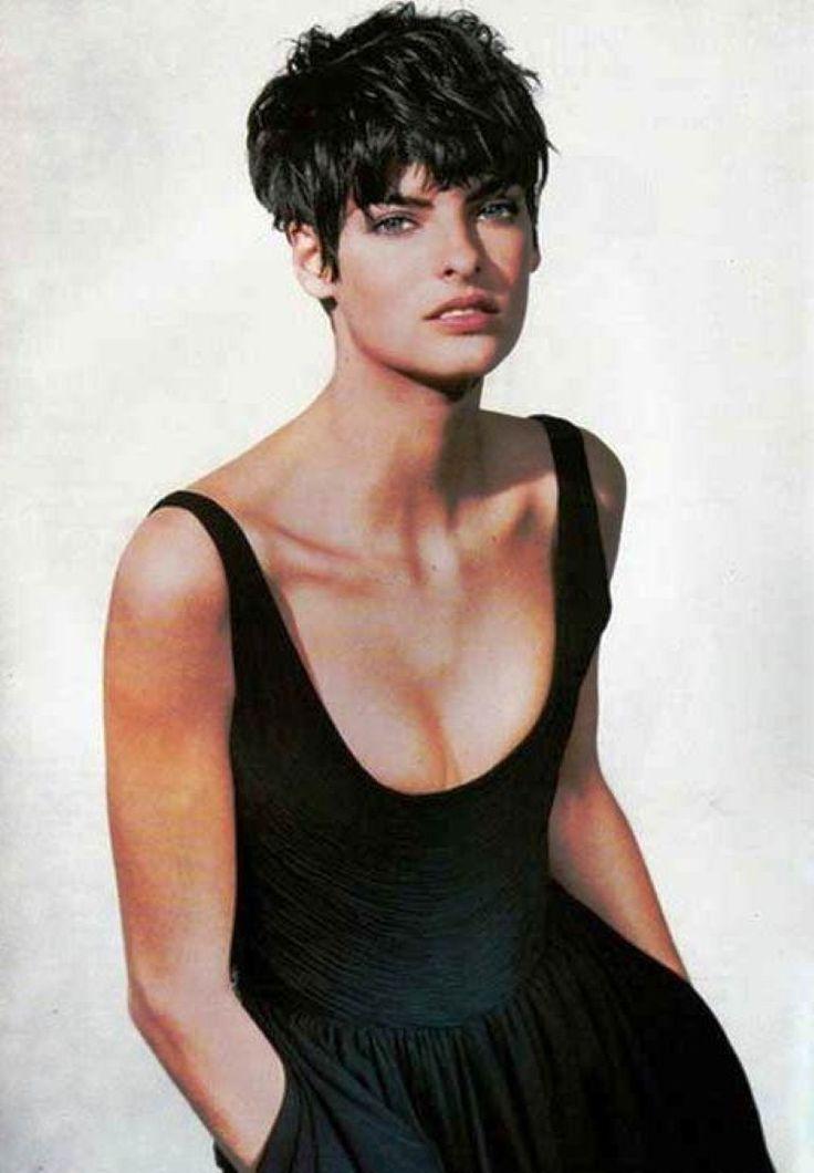 Celebrity Bikini: Hairstyles