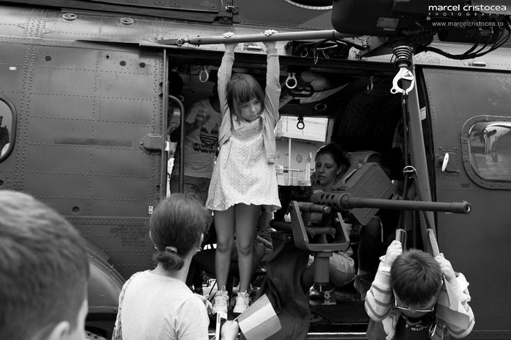 Am reusit sa ajung sa fac fotografii cu Navele Marinei Romane. Sper sa va placa :)        Fotograf printre Navele Marinei Romane | Marcel Cristocea Photography