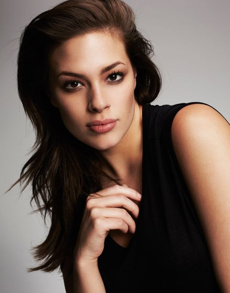 Ashley Graham  - 2021 Dark brown hair & casual hair style.