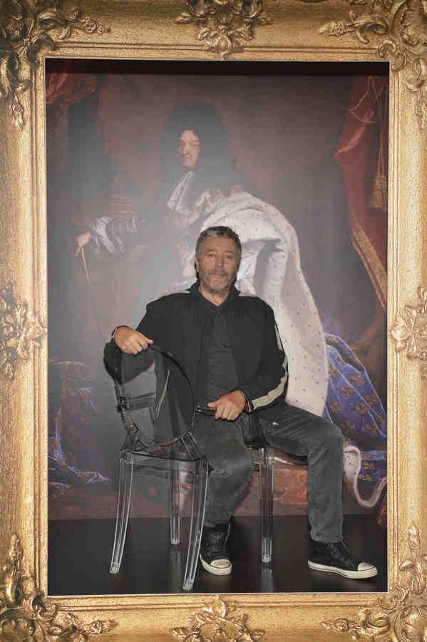 Sedia Kartell Louis Ghost: Philippe Starck festeggia i dieci anni della Louis Ghost, foto del party   Post by Design & Style