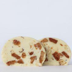 Receita de Salame de chocolate branco com avelãs e bolachas de canela | :: as melhores receitas de sobremesas de leonor de sousa bastos | flagrante delícia ::