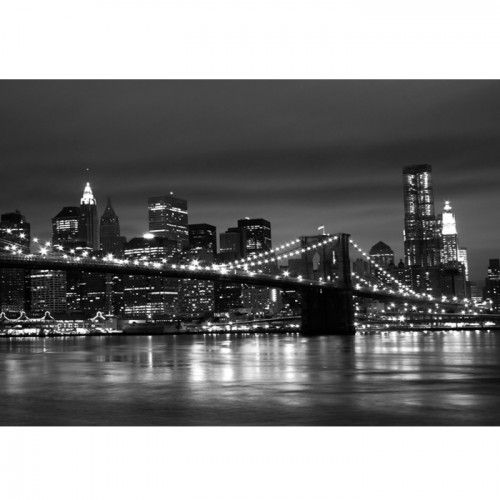 Met het fotobehang van de New York skyline heb je meteen één van de meest bekendste panorama's ter wereld in jouw kamer! De foto toont New York bij nacht met de bekende Brooklyn Bridge op de voorgrond!