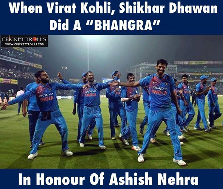That's Virat Kohli & Shikhar Dhawan's style of paying tribute to Ashish Nehra on his farewell #INDvNZ - http://ift.tt/1ZZ3e4d