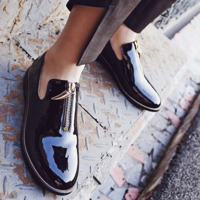 34-39 Черная кожа кожаные ботинки 2017 мода simple молнии украшения удобные дышащие плоские туфли