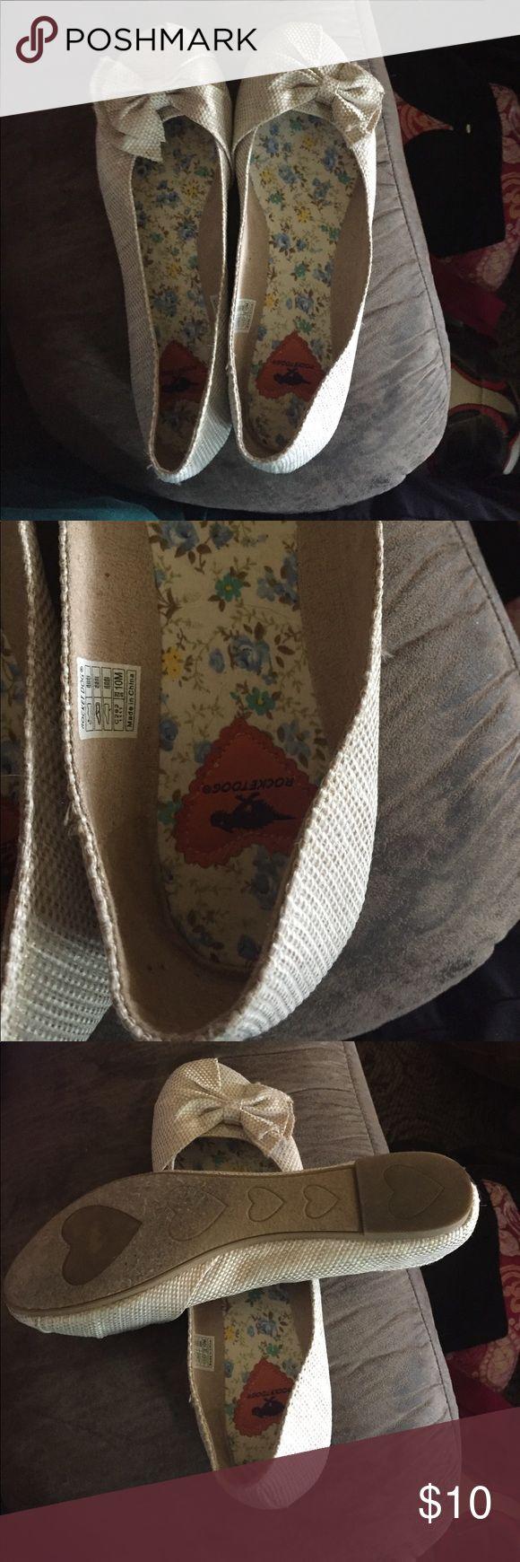 Rocket dog flats Adorable never worn rocket dog canvas flats, bow detail on the toe Rocket Dog Shoes Flats & Loafers