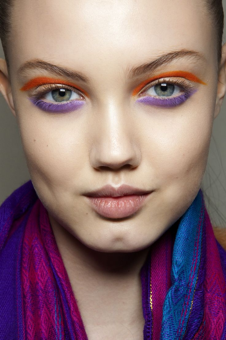colorfulLindsey Wixson, Eye Makeup, Bright Eye, Miu Fall, Summer Makeup, Dramatic Eye, Makeup Ideas, Miu Miu, Runway Makeup