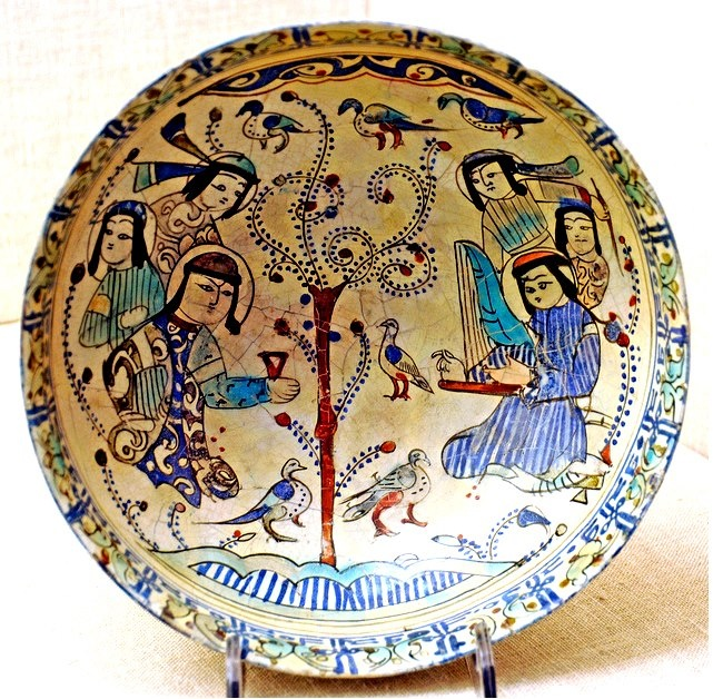 Bowl Persian -Seljuk. late 12th–early 13th century