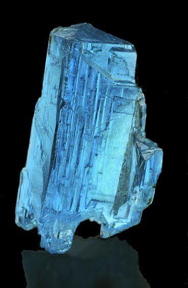Uma gema chamada Turmalina Paraíba, que incrivelmente consegue ser mais cara que o diamante!