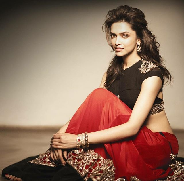 Double tap for super gorgeous.. Deepika Padukone ❤️