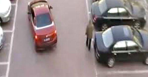 Dit is de ULTIEME reden waarom je NOOIT de parkeerplek van een vrouw moet stelen…Let goed op!